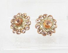 Cloudberry-earrings-peach