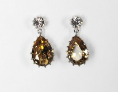 Droplet-earrings-light-topaz
