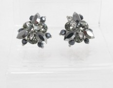 Flowerbud-earrings-hematite
